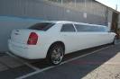 Chrysler 300C Limo White_3