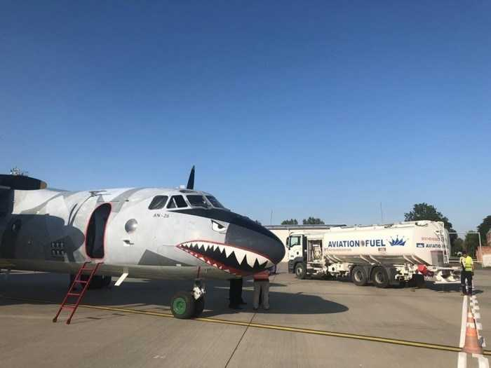 """""""Нова Пошта"""" почала використовувати літак для доставки посилок"""