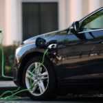 Україна за кількістю електромобілів у чотири рази випереджає Росію та є лідером регіону. Чи довго це триватиме?