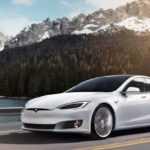 Tesla показала відео високошвидкісних краш-тестів своїх електромобілів (ВІДЕО)